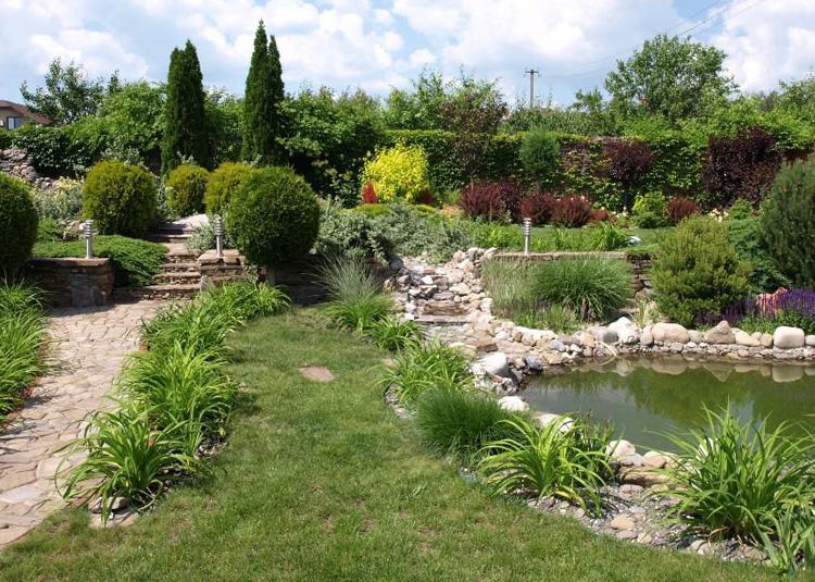 Водный декор в саду модерн