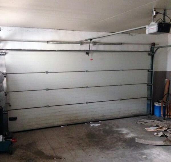 Секционные гаражные ворота внутри