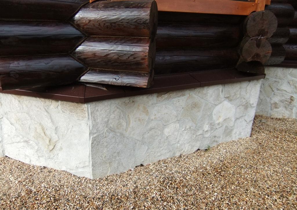 Цокольный отлив для деревянного дома