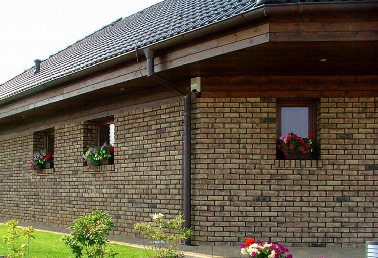 Клинкерный кирпич для обшивки фасада - фото частного дома