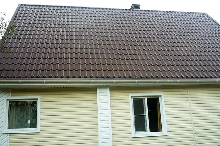 Виниловый сайдинг для облицовки фасада - фото частного дома