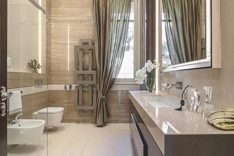 Отделка стен в ванной линолеумом
