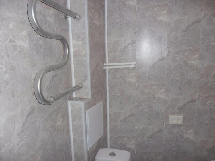 Отделка стен в ванной стеновыми панелями