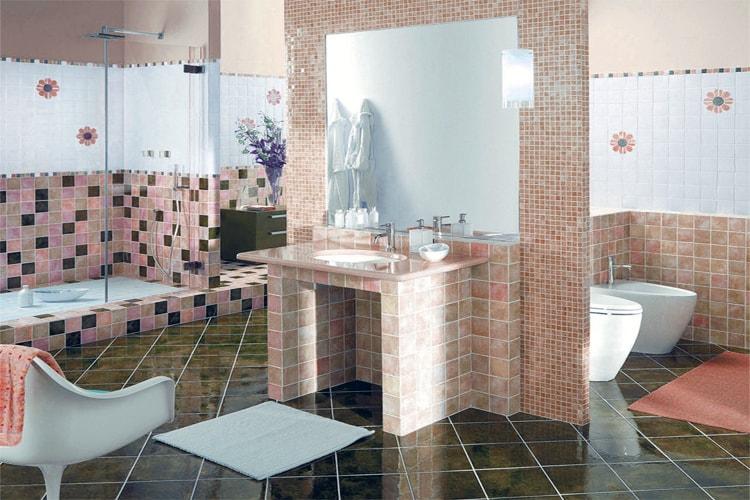 Стены в ванной мозайкой
