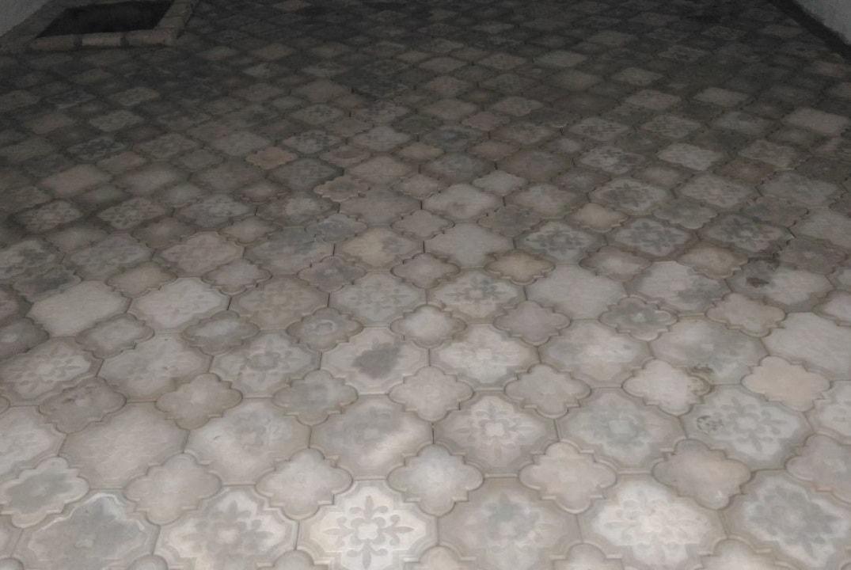 Пол в гараже из тротуарной плитки