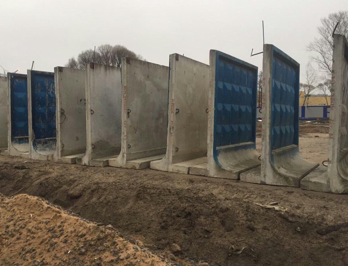 Самостроящийся бетонный забор