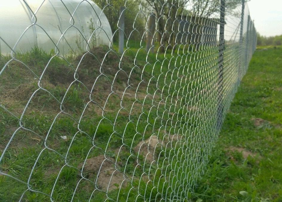 Забор для дачи из рабицы