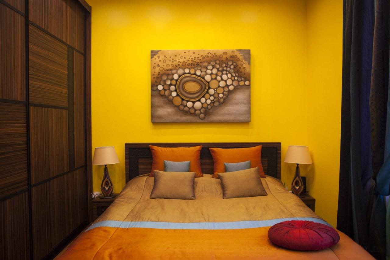 Отделка стен в спальне - какой же выбрать материал