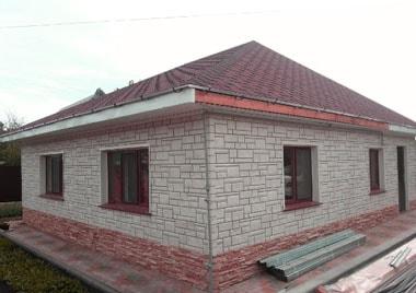 Цокольный сайдинг на даче