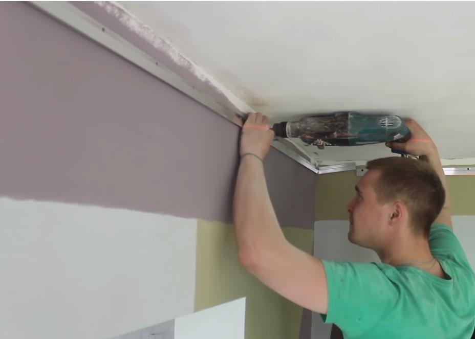 Крепление багетов для натяжного потолка