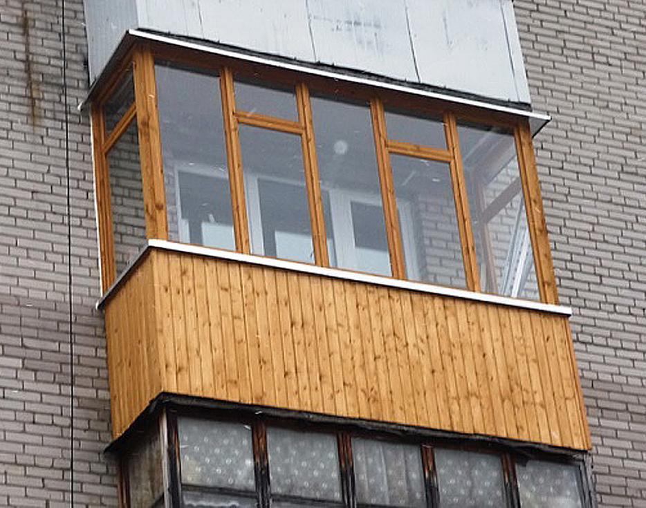 Обшивка балкона снаружи вагонкой
