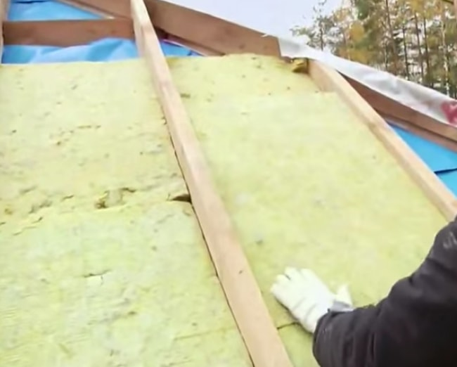 Изоляция крыши минеральной ватой