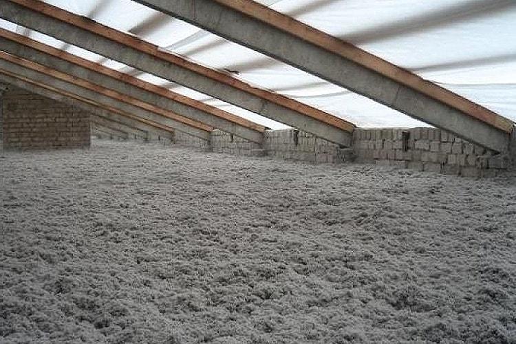 Изоляция крыши эковатой