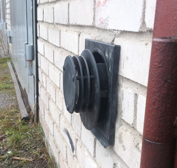 Вытяжная труба газового конвектора в гараже