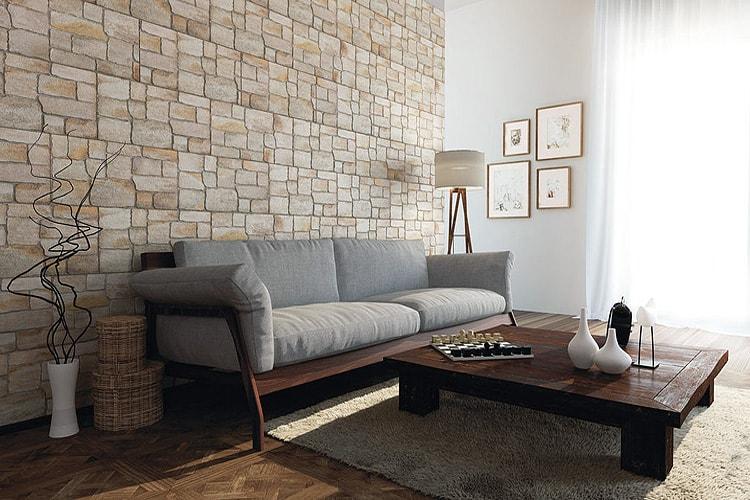 Отделка стен в гостиной керамической плиткой
