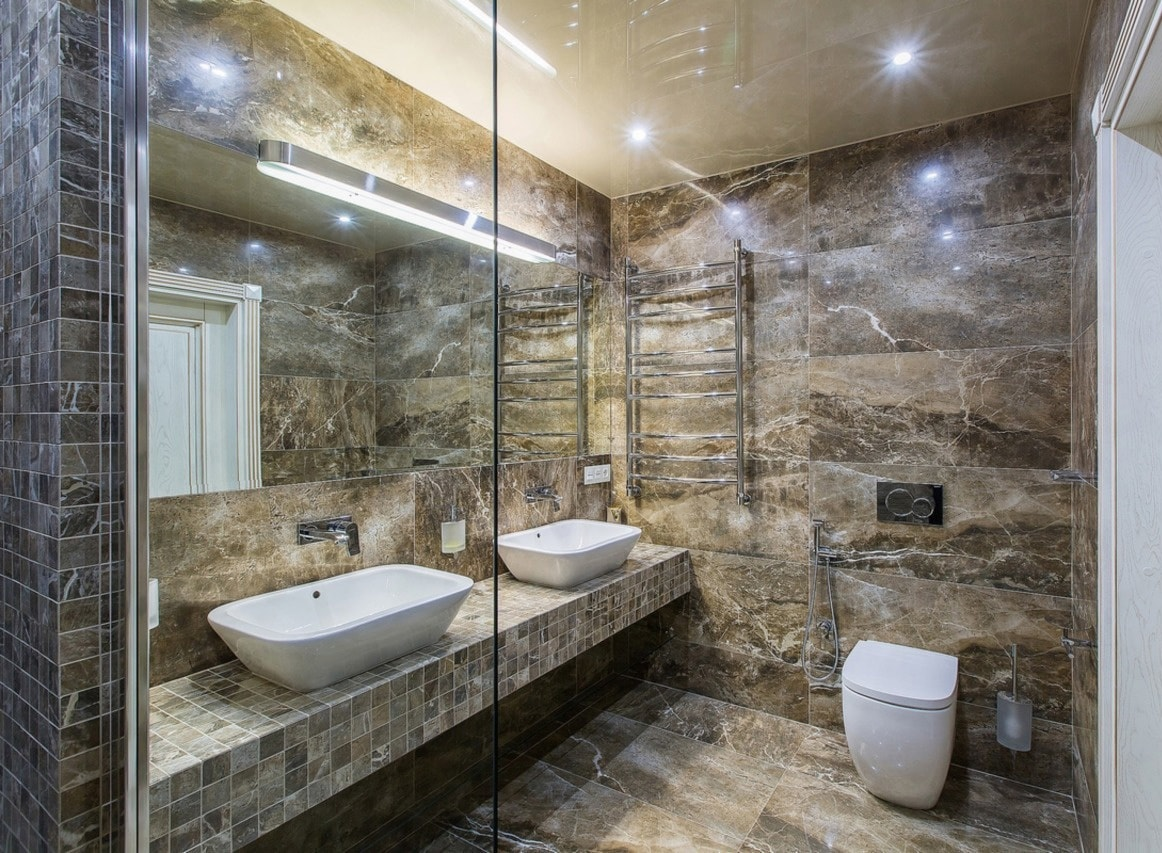 зеркало с подсветкой в ванной