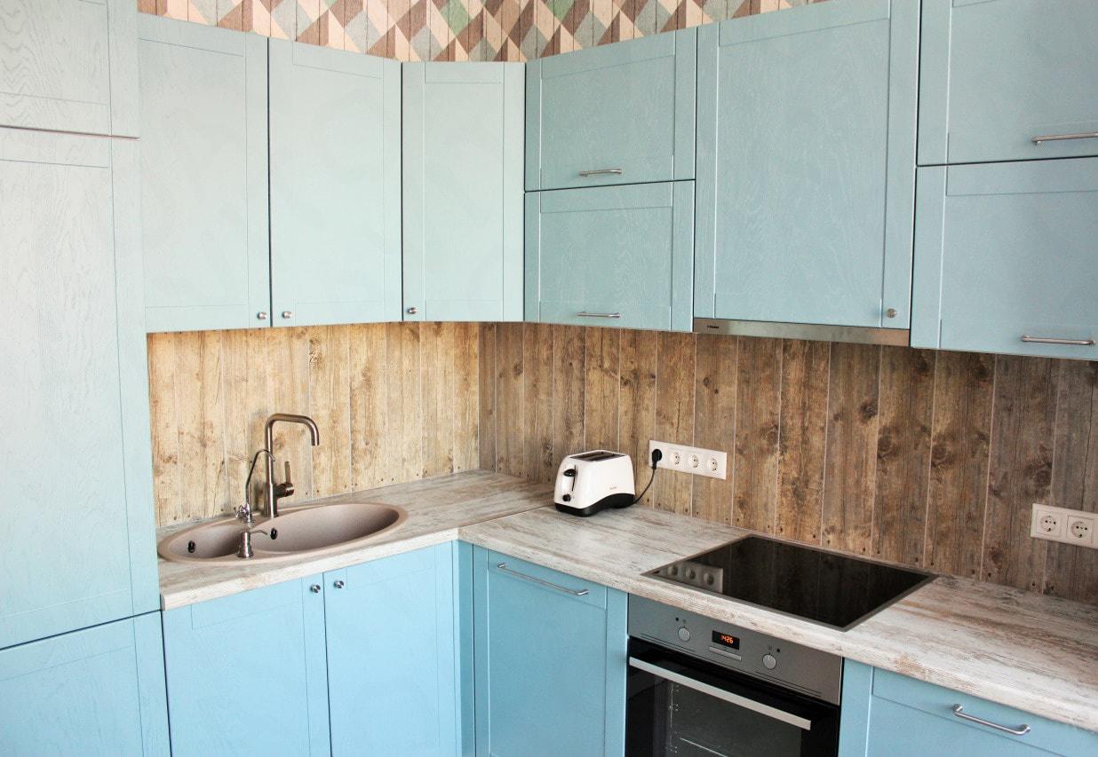 Отделка стен на кухне плиткой