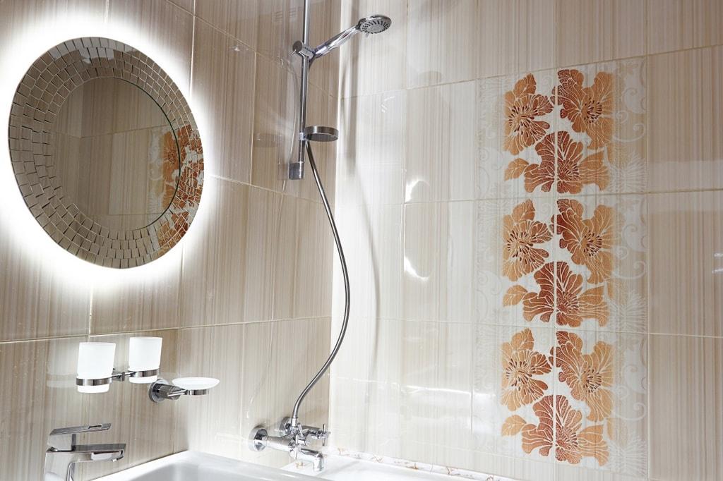 Зеркало в ванную комнату: фото, виды, размеры