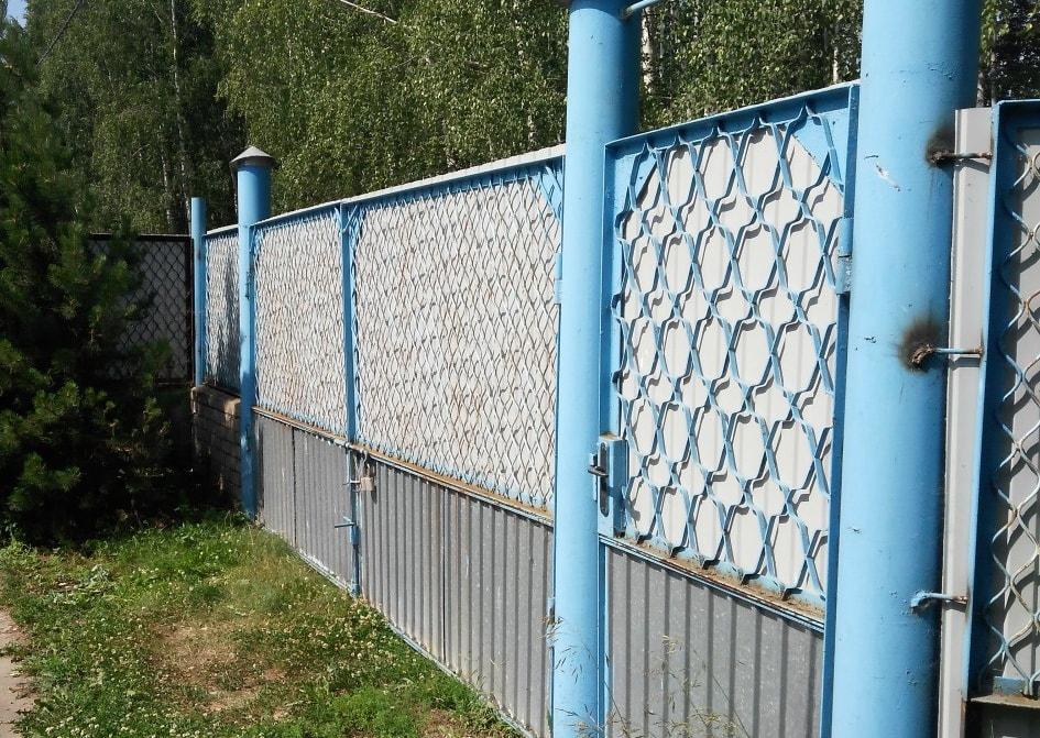 Распашные ворота из профнастила