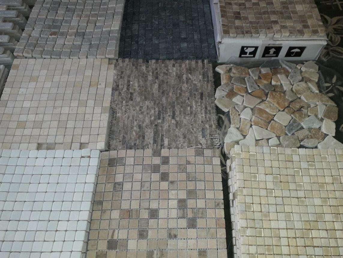 Мозайика из камня для отделки стен кухни