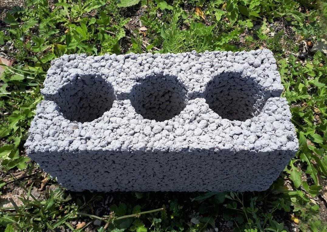 Пустотелый керамзитобетонный блок
